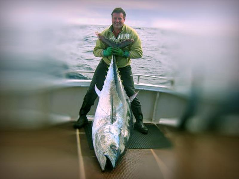 Jason Fulham with 140kg Southern Bluefin Tuna